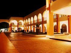 Coatzacoalcos.- Palacio Municipal