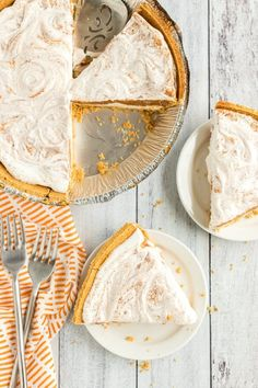 No Bake Pumpkin Pie Recipe - Spaceships and Laser Beams Pumpkin Pie Cheesecake, No Bake Pumpkin Pie, Pumpkin Pie Recipes, Banana Bread Recipes, Cheesecake Recipes, Pumkin Pie, Pumpkin Dessert, Fall Recipes, Pumpkin Banana Bread