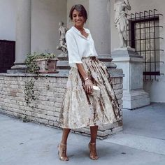 White blouse and golden skirt on high heel sandals - Summer Fashion Paris Chic, Look Fashion, Womens Fashion, Fashion Trends, Ladies Fashion, Fashion Styles, Street Fashion, Fashion Ideas, Modest Fashion