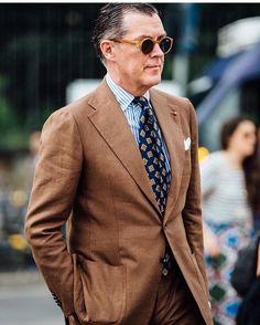 "45 gilla-markeringar, 1 kommentarer - Pitti Uomo (@pitti_uomo_) på Instagram: ""#style #fashion #wear #menfashion #outfit #menstyle #bespoke #menswear #ootd #suit #suitandtie…"""