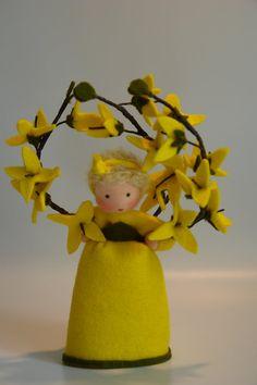 Forsythia   Flower Child  Waldorf Inspired  par KatjasFlowerfairys