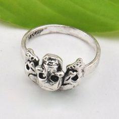 Retro Solid Color Skull Ring For Women