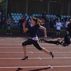 Najkrótszy czas przebiegnięcia 100 m w szpilkach to 13,557 s. 2.05.2015 r. rekord powędrował do Majken Sichlau z Danii. #rekordGuinnessa #bieganie #szpilki #highHeels