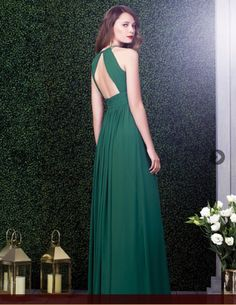 a19f4b925d0 Discover the most elegant bridesmaid dresses in an amazing range of styles