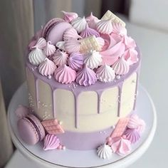 79 Amazing Cake Inspiration For Special Celebration - Hair and Beauty eye makeup Ideas To Try - Nail Art Design Ideas Beautiful Birthday Cakes, Beautiful Cakes, Amazing Cakes, Cute Cakes, Pretty Cakes, Berry Cupcakes, Pastel Cakes, 40th Birthday Cakes, Birthday Cake Decorating