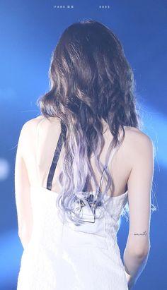 Sexy back yeahh Kim Taeyeon Sooyoung, Yoona, Generation Photo, Girls' Generation Taeyeon, Kpop Girl Groups, Kpop Girls, Taeyeon Wallpapers, Taeyeon Persona, Yuri