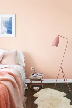 Bedroom in Benjamin Moore Pleasant Pink Paint Color // Color Trends 2018 Pink Bedroom Design, Bedroom Wall Colors, Accent Wall Bedroom, Master Bedroom Design, Bedroom Decor, Bedroom Ideas, White Bedroom Furniture Grey Walls, Pink Bedroom Walls, Quirky Bedroom