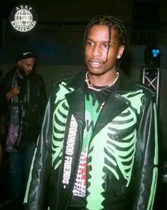 Asap rocky in Vlone 🐍 Pelle Pelle Jackets, Asap Rocky Fashion, Asap Mob, Pretty Flacko, A$ap Rocky, Leather Jacket Outfits, Moto Jacket, Hypebeast, Rapper