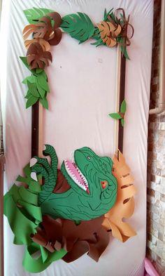 Vale dinossauros Elmo Party, Dinosaur Birthday Party, 4th Birthday Parties, Mickey Party, Dinosaur Party Decorations, Kids Party Themes, Birthday Party Decorations, Dinosaur Photo Booth, Jurassic Park Party