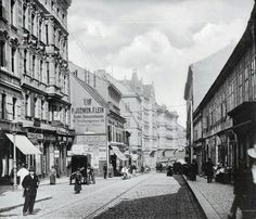 Neubaugasse 1900 Past Life, Time Travel, Vienna, Great Places, Austria, American History, Beautiful Pictures, To Go, Traveling
