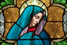 web-madonna-mary-stained-glass-nancy-bauer-shutterstock_154303703