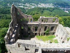 De Alt Schloss (oud kasteel) in Baden-Baden. Op de top van de heuvel heb je een schitterend uitzicht.