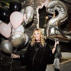 WEBSTA @ balloonbar.ca - Happy 2nd year of blogging @mademoisellejules Our best wishes ❤️❤️ #mllejulesturns2 #artemano #popup #exclusiveshopping #mtlevent #balloonbar #blogging #MtlEvents #BalloonDelivery #BalloonService #NumberBalloon #BalloonBouquet #BirthdayBalloon