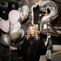 WEBSTA @ balloonbar.ca - Happy 2nd year of blogging @mademoisellejules Our best wishes ❤️❤️ #mllejulesturns2 #artemano #popup #exclusiveshopping #mtlevent #balloonbar #blogging #MtlEvents #BalloonDelivery #BalloonService #NumberBalloon #BalloonBouquet #BirthdayBalloon