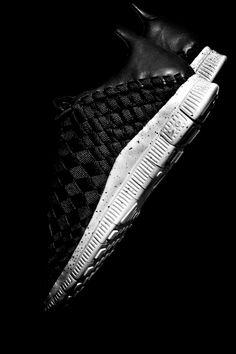 Nike Free Inneva Woven    -Use it as your iPhone wallpaper    ©2012 Angel Gonzalez/Vagrant Sneaker