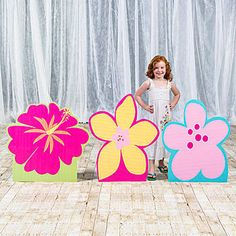 Top off your luau or beach themed party with brightly colored Hula Honey Flower Standees. You will receive a set of three cardboard flower props. Luau Theme, Luau Party, Balloon Delivery, Beach Wedding Favors, Hawaiian Flowers, Tropical Party, Hula, Flower Petals, Party Themes
