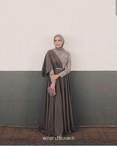 Clothes Inspiration 2019 Ideas For 2019 Hijab Prom Dress, Hijab Gown, Muslimah Wedding Dress, Hijab Style Dress, Muslim Wedding Dresses, Wedding Gowns, Dress Muslimah, Dress Ootd, Kebaya Modern Hijab