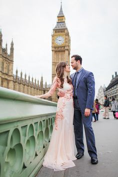 Devon + David : couples photo shoot in Westminster, London engagement couples pre wedding London Westminster Big Ben Beautiful couples photoshoot for Devon & David, a lovely couple from sunny California, USA Pre Wedding Poses, Pre Wedding Photoshoot, Wedding Shoot, Wedding Couples, Hot Couples, Couple Photoshoot Poses, Couple Shoot, Lace Weddings, Country Weddings