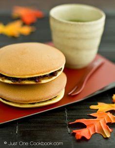 Dorayaki, a Japanese dessert// one of my favorites!!