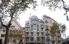 Penny In Wanderland: Γιατί αξίζει να επισκεφτείς την Βαρκελώνη μόνο και... Wanderland, Gaudi, Spain, Mansions, House Styles, Home Decor, Decoration Home, Manor Houses, Room Decor