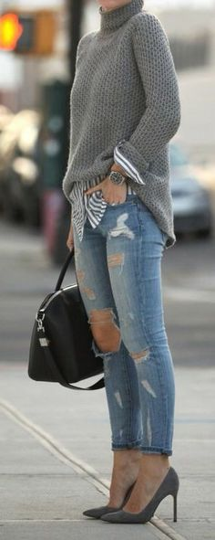 Grey sweater & pumps *C