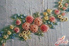Brazilian Embroidery Tutorial - ---- More DIY Ideas ---- If you love embroidery, you won't miss this DIY embroidery technique, the flowers are a creative extension of french knot that looks pretty whether you use thread… Silk Ribbon Embroidery, Crewel Embroidery, Cross Stitch Embroidery, Embroidery Patterns, Machine Embroidery, Flower Embroidery, Art Du Fil, Brazilian Embroidery, Embroidery Techniques