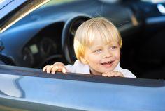 Kind an Bord – Sicherheit geht im Auto vor