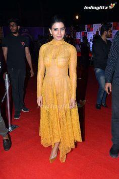 South Indian Actress Hot, Indian Actress Hot Pics, Tamil Actress Photos, Beautiful Indian Actress, Beautiful Asian Girls, Indian Actresses, South Actress, New Saree Blouse Designs, Half Saree Designs