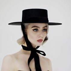 Women Hat Fashion Cap Surgical Caps Aloha Headwear Women'S Hiking Sun Hats Black Cowboy Hat Cap For Girls Allison Harvard, Black Women Fashion, Womens Fashion, Black Felt, Up Girl, Look Chic, Fashion Outfits, Fashion Trends, Fashion Top