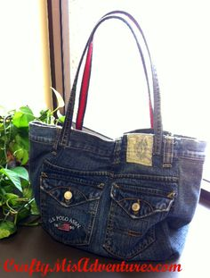 Crafty Home Improvement (Mis)Adventures: Upcycled Denim Purse - I remember making one of these when I was a kid.  Funny how things come back around after while.