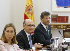 """Spanish court suspends Catalonia independence vote - reuters.com, JULIEN TOYER, Sep 29, 2014. """"Spain's Constitutional Court suspended on Monday an independence referendum called by Catalonia for November, although political forces in the wealthy north-east region forged ahead with a political campaign ahead of their planned vote. Spain's central government earlier on Monday asked the court to declare the vote illegal on the grounds that it breaches the country's constitution."""""""