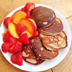 Fluffy #glutenfree & #dairyfree #pancakes made with @rudehealth sprouted buckwheat flour & hazelnut milk @twochicksproducts whole egg & mashed banana. Served with @boroughmarket peaches & strawberries. Bringing the #summer back into my life. Pancakes for #breakfast or #brunch always make you feel better especially when not feeling well. #leanmeals #weightloss #hbloggers #healthyfoodporn #healthylifestyle #seasonal #boroughmarket #thefeedfeed #food52 #nutrients #Noadditives #instafood #paleo…