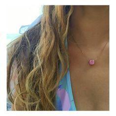 Sea, sun and a little pink stone! My kind of summer! Minimal rose gold chain necklace with rose square stone------------------------Θάλασσα, ήλιος και μια μικρή ροζ πέτρα! Το καλοκαίρι που μ'αρέσει! Μίνιμαλ ροζ χρυσό ατσάλινο κολιέ με ροζ πέτρα