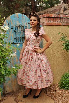 Vintage Inspired Dresses, Vintage Style Dresses, Vintage Skirt, Retro Outfits, Vintage Outfits, Cute Outfits, Vintage Fashion, Pin Up Dresses, Cute Dresses