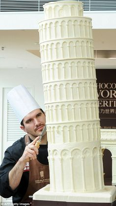 Leaning Tower of Pisa in white chocolate