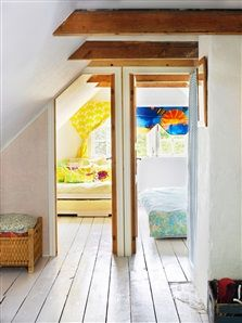 Sovrum på övervåning i torpet