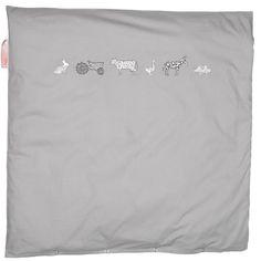 Bettwäsche grau Bauernhof 80x80cm  - Material: Baumwolle  - Maße: 80 x 80 cm  - Bauenhoftiere Abbildung  - für Wiege und Kinderwagen  - Maschinenwäsche: bei 40 °C