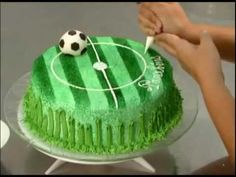 gateau en forme de stade de foot - YouTube. Great decorating techniques I haven't seen before. 10th Birthday Cakes For Boys, Soccer Birthday Cakes, Soccer Cake, Cake Decorating Videos, Birthday Cake Decorating, Cake Decorating Techniques, Greek Cookies, Cake Hacks, Birthday Cake Pictures