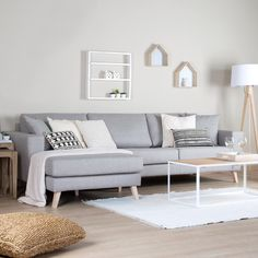 Attractive Rustic Industrial Living Room Decor Refres Your Room in Living Room Categories. Living Room Setup, Glam Living Room, Living Room Sofa, Small Flat Decor, Modern White Living Room, Small Apartment Living, Wood Sofa, Piece A Vivre, Living Room Designs
