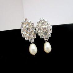 Bridal earrings pearl earrings classic wedding by treasures570, $40.00