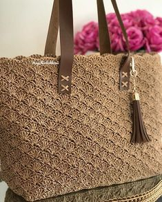 Diy Crafts - Model,opened-If I came back with a new model, then the paper rope bag season was opened . Free Crochet Bag, Crochet Tote, Crochet Handbags, Crochet Purses, Diy Fashion Bags, Fashion Handbags, Knitted Bags, Black Handbags, Straw Bag