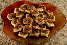 Food for the Lebanese Soul in All of Us: Individual Meat Pies (Sfeeha) - Modern Eastern Cuisine, Lebanese Recipes, Middle Eastern Recipes, Arabic Food, Mediterranean Recipes, Love Food, Meat Pies, The Best, Cooking Recipes