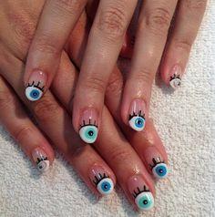 Cute eye nails!