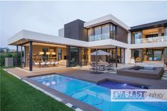 Summer calls for swimming, laughter & spending more time outdoors. With Eva-last unique slip-resistant benefit, you can sit back, relax and watch the kids have fun! Modern Mansion, Modern Homes, Modern House Plans, Modern House Design, Luxury Homes Dream Houses, Dream Homes, Modern Architecture House, Pavilion Architecture, Sustainable Architecture