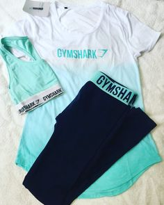 styling the Fit leggings with Gymshark bralette and Ombre t-shirt. Sporty Outfits, Athletic Outfits, Fashion Outfits, Athletic Clothes, Gym Outfits, Fitness Outfits, Fitness Wear, Fashion Ideas, Workout Clothes Cheap