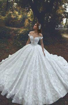 Big Wedding Dresses, Country Wedding Dresses, Princess Wedding Dresses, Bridal Dresses, Man Wedding Dress, Ballgown Wedding Dress, Fluffy Wedding Dress, Wedding Shot, Beautiful Wedding Gowns