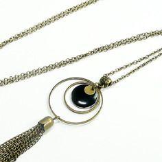 Sautoir collier pendentif sequin noir anneau, pompon bronze vintage