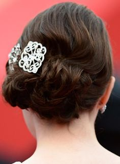 Hairstyles For Indian Wedding - Low Side Hairdo