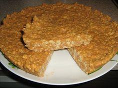 Mandeļu kūka (mandeles, cukurs, milti, vārīts iebiezinātais piens, sviests, soda)