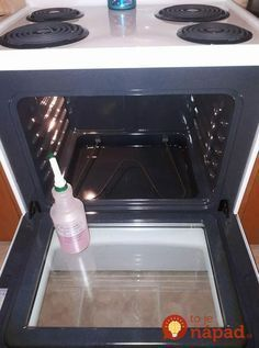 HOMEMADE OVEN CLEANER cup theives dish soap cup lemon juice 1 cup vinegar 1 cup water Shake gently to combine ingredients, spray in your stove. Let sit for a little bit and voila, a brand new looking stove!This DIY Oven Cleaner Is Much Better Than Store-B Diy Home Cleaning, Household Cleaning Tips, Homemade Cleaning Products, Cleaning Recipes, House Cleaning Tips, Natural Cleaning Products, Spring Cleaning, Oven Cleaning Hacks, Household Cleaners